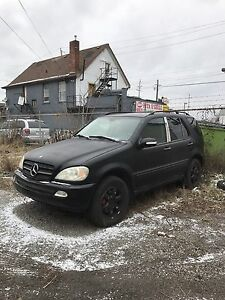 2004 Mercedes ML500 Parting Out