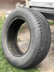 All season tire (just one) 215/65R16