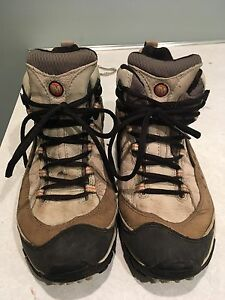 Merrell  like new women's hikers
