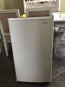 Mini fridge bar fridge 3.3cuft