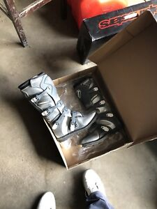 Brand new shift Burt bike boots size 11