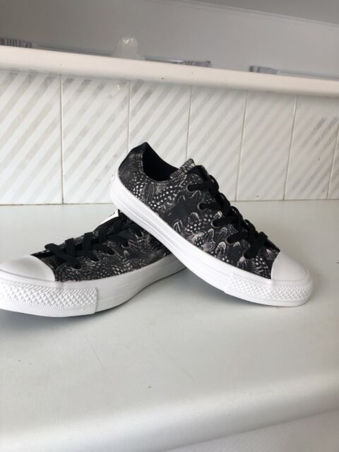bbcbd78940a287 MUST GO - 2 pairs of womens converse shoes