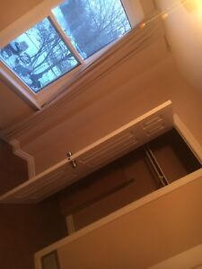 Room for rent close to Mohawk college fennel