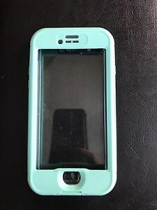 Apple iPhone 7 life proof case