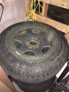 Set of 4 Ford Escape Winter Tires 235/70R 16