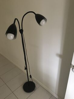 PEDESTAL LAMP with 2 lights very sturdy