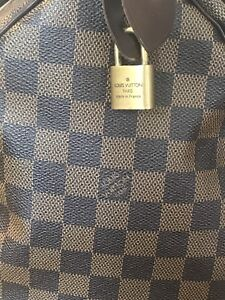 100% authentic Louis Vuitton speedy 30