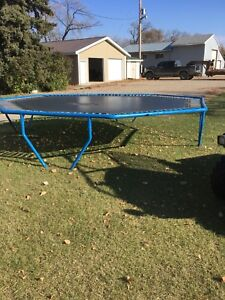Looking to buy trampoline mat 8-sided