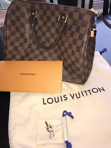 Authentic Louis Vuitton Speedy 30 Damier Ebene Canvas Purse