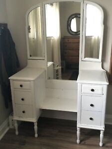 Antique Vanity / Make-up Table