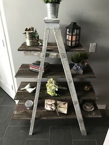 Shabby chic shelves