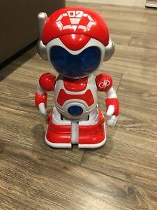 Robot qui avance seule et fait du bruit