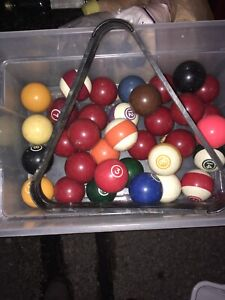 Billiards Ball and Two cues