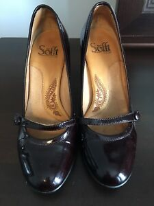 Softt patent leather burgundy heels - Size 6