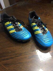 Girls/Boys Adidas Soccer Shoes Size 4 1/2