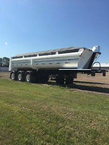2014 Midland triaxle gravel trailer