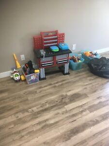 Toys!!!!!!!    Tons of toys for kids 5 years and under