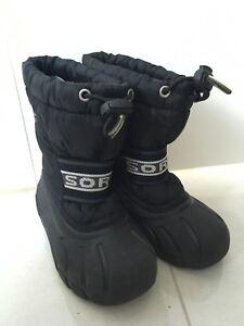 EUC toddler size 9 Sorel boots
