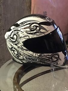 Shoei RF-1100 motorcycle helmet. Large