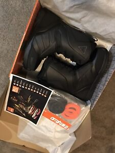 Brand New ThirtyTwo Lashed Snowboard Boots Size 11