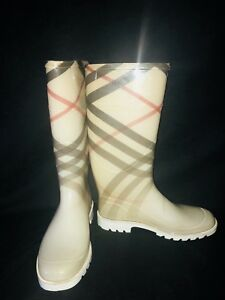 Burberry Rainboots (size 7)