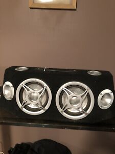 Double speaker on with two 6 inch speakers