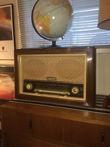 Philips Jupiter antique radio