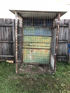 Large bird cage cockatoo