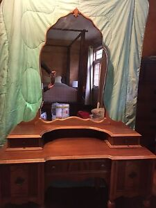Beautiful Antique Ladies Dressing Table Early 1900's