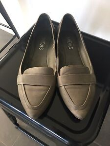 Gorgeous Midas Gige leather flats, size 38 Norwood Norwood Area Preview