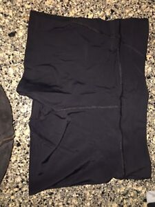 Under Armour Spandex Shorts Size L-worn once