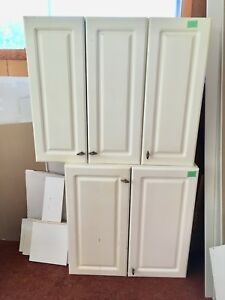 SOLD*** Kitchen cabinets