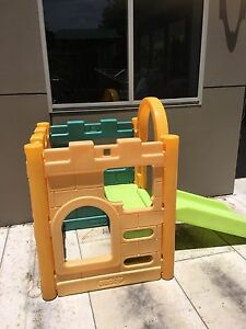 Outdoor play castle Cardiff Heights Lake Macquarie Area Preview