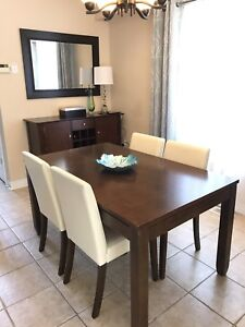 Dinette w/ 4 Chairs