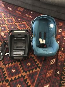 Maxi cosi car seat and base