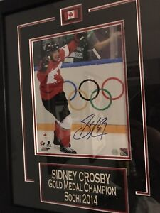 Sidney Crosby autographed framed photo