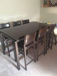 Konto brown glass pub table