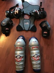 Men's protective hockey gear