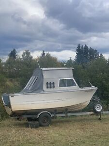 18 foot boat! Perfect for ocean channels!