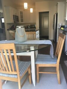 Dining Table and 4  chairs $250