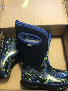 *reduced* Boys size 10 ( toddler ) bogs