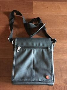 Swiss Gear leather tablet/tote bag