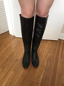 Women's Black Leather Boots size 9.5, Arturo Chiang