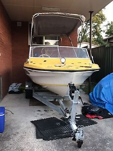 15ft fibreglass boat 40 horse engine and jet ski Nelson Bay Port Stephens Area Preview