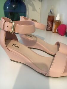 Ladies wedge sandals