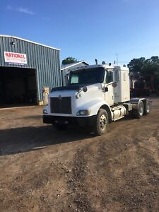 2005 INTERNATIONAL 9200 WITH FULL LOCKS