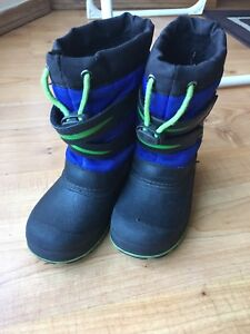 Toddler boys boots $5
