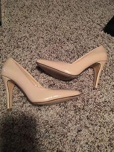 Classic heels sz 5.5