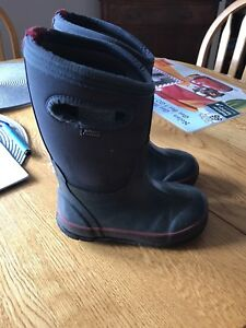 Toddler BOGS winter boots size 9