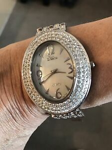 Ladies Oval Face Watch With Mother Of Pearl Gladesville Ryde Area Preview